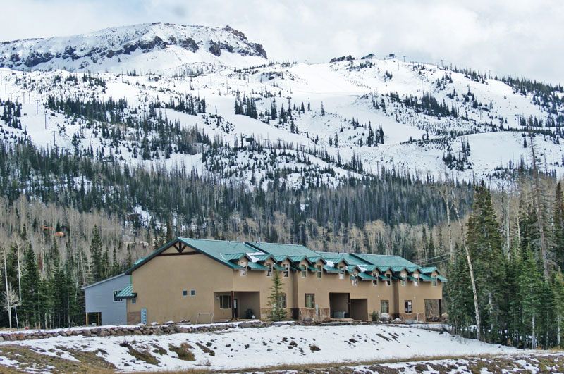 crooked-river-condominiums-brian-head-Utah-ski-resort